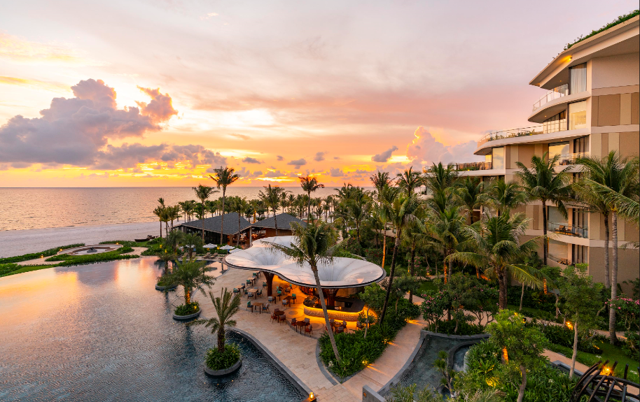 Inter Phuc Quoc:  InterContinental® Phu Quoc Long Beach Resort is opening today
