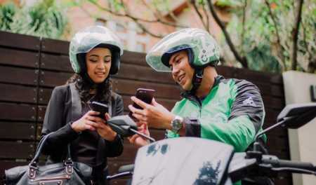 ​Foreign transportation apps ready to ride in Vietnam